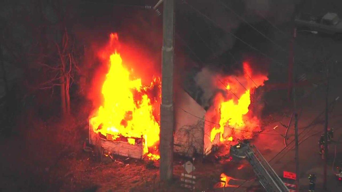 House up in flames in Elizabeth