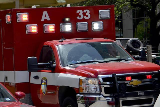 2356853_web1_web-ambulance8.1